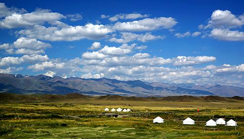 新疆阿吾斯奇景区